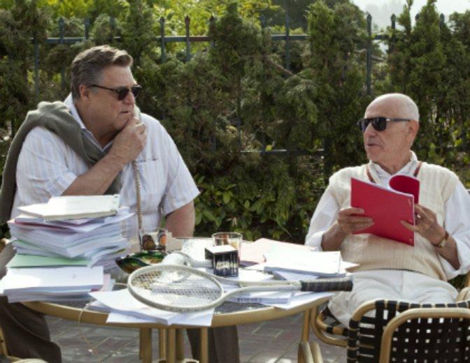 """Mit Alan Arkin als komödiantisches Gespann in """"Argo"""" © Warner"""
