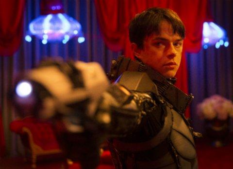 """Dane DeHaan in einer Szene des Science-Fiction-Blockbusters """"Valerian - Die Stadt der tausend Planeten"""" © Universal/Walt Disney"""