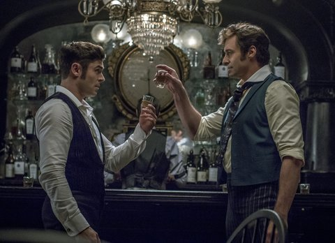"""Highschool Musical""Star Zac Efron und Hugh Jackman aus ""Les Misérables"" in dem Musical-Film ""The Greatest Showman"" © Twentieth Century Fox"