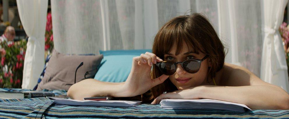 "Dakota Johnson in ""Fifty Shades of Grey 3 - Befreite Lust"" © Universal"