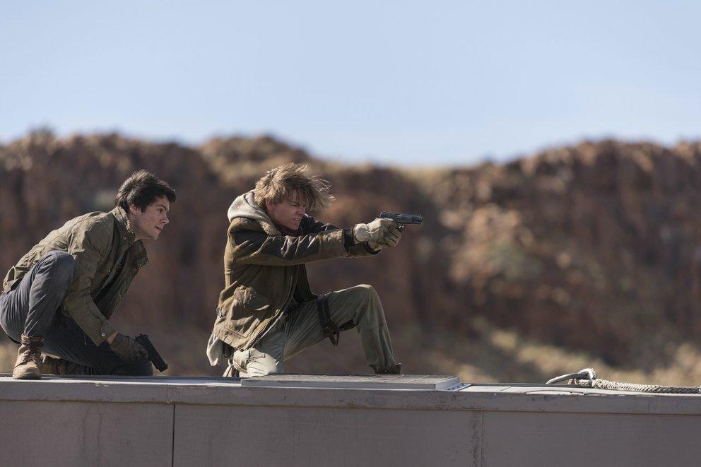 """Dylan O'Brien als Thomas und Thomas Brodie-Sangster als Newt in """"Maze Runner 3"""" © Twentieth Century Fox"""