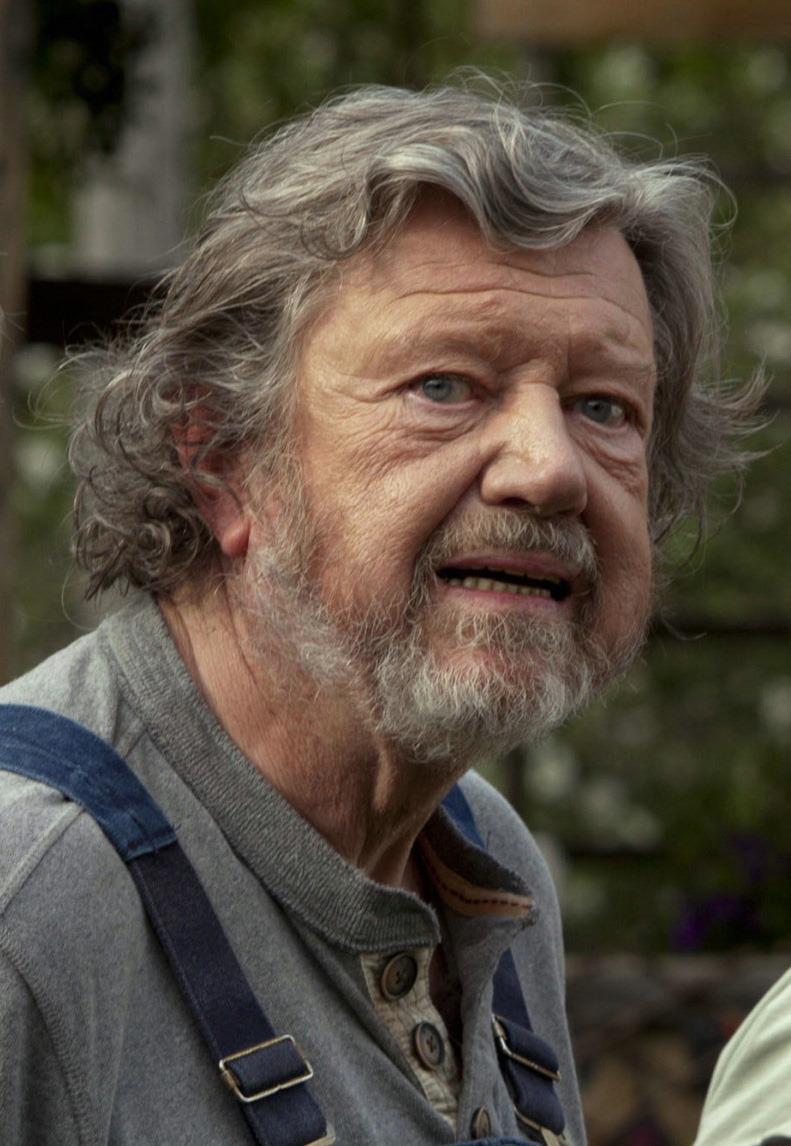Der Hunderteinjahrige Der Die Rechnung Nicht Bezahlte Und Verschwand Film 2016 Trailer Kritik Kino De