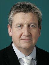 Dr. Matthias Esche