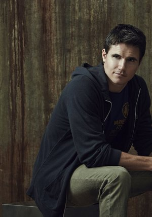 Robbie Amell Poster