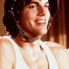 Kutcher als Surf-Cop