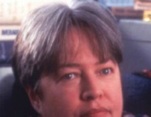 Kathy Bates besteigt Englands Thron
