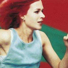 """""""Lola rennt"""" an die Spitze der Kinocharts"""