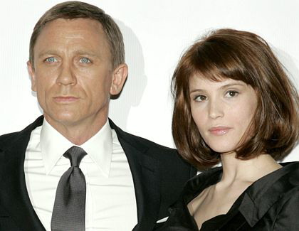 Heiratet James Bond Kinode