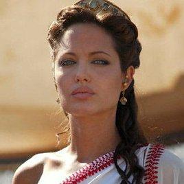 Angelina Jolie ist zu bleich für Afrika