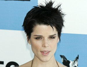 "Neve Campbell kündigt gruseliges ""Scream 4"" an"