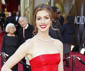 """Anne Hathaway verpasst Stuntman beim """"Batman""""-Dreh blaues Auge"""