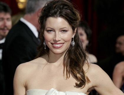 Anne Hathaway schnappte sich Jessica Biels Rollen