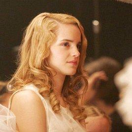 Emma Watson raubt Juwelen bei Paris Hilton und Megan Fox