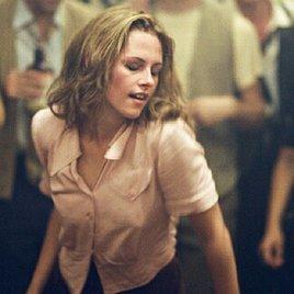 Kristen Stewart beim Oralsex oben ohne