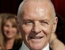 "Anthony Hopkins gegen Bruce Willis in ""RED 2"""