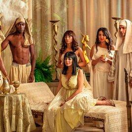 "Lindsay Lohan als Liz Taylor im heißen ""Cleopatra""-Kostüm"