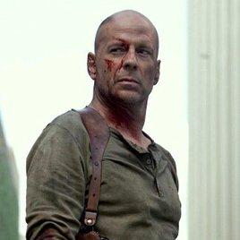"Bruce Willis prüft ""American Assassin"""