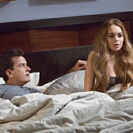 "Charlie Sheen im Bett mit Lindsay Lohan in ""Scary Movie 5"""