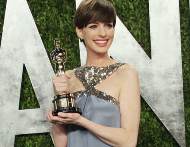 Anne Hathaway Im Lifeboat Kinode