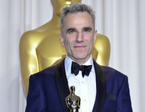 """James Bond""-Autor fordert Daniel Day-Lewis als 007"