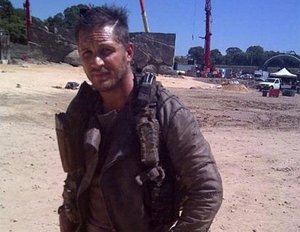 "Neues Foto von Tom Hardy am ""Mad Max""-Set"