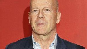 Bruce Willis quält Androiden