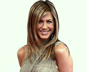 Jennifer Aniston wird Über-Mutter