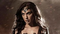 Gal Gadot im Wonder Woman-Dress