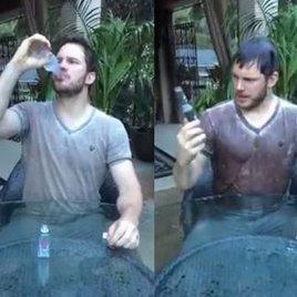 Chris Pratt unter Anna Faris' Eiswasserdusche