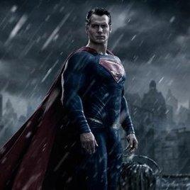 """Henry Cavill über """"Batman v Superman"""""""