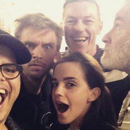 "Fotogruß von Emma Watsons ""Beauty and the Beast""-Truppe"