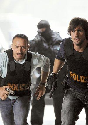 Alarm für Cobra 11 - Die Autobahnpolizei (18. Drehstaffel, 6 Folgen) Poster