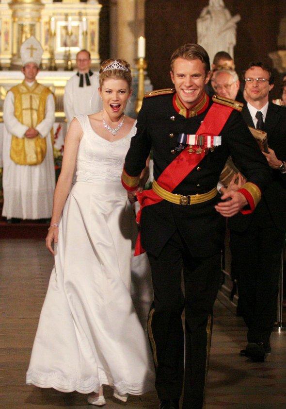 Der Prinz & ich: Die königliche Hochzeit Poster
