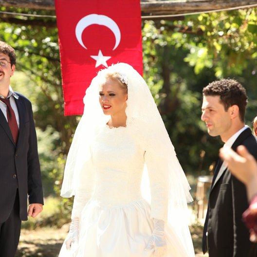 Dügün Dernek (OmdU) - Trailer Poster