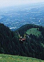 Glücklicher Ikarus - Mit dem Gleitschirm über die Alpen Poster
