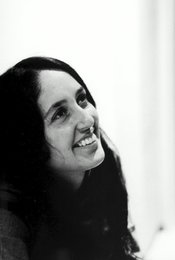 Joan Baez - How Sweet the Sound