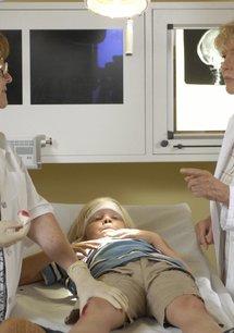 Zwei Ärzte sind einer zuviel: Wer im Glashaus sitzt ...
