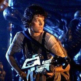 """Sigourney Weaver hasst """"Alien vs. Predator"""""""