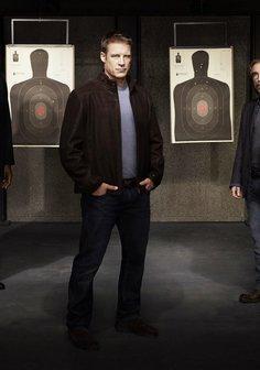 Human Target (Season 01) Poster