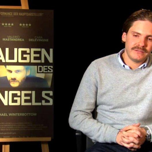 Daniel Bruehl - Thomas - über die Figur Thomas - Interview Poster