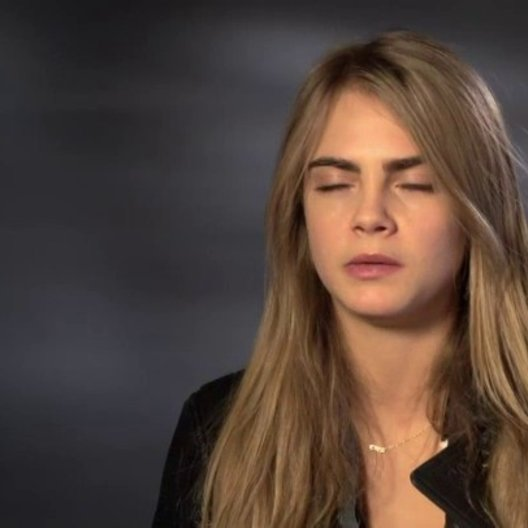 Cara Delevingne - Melanie - über ihre Rolle - OV-Interview Poster