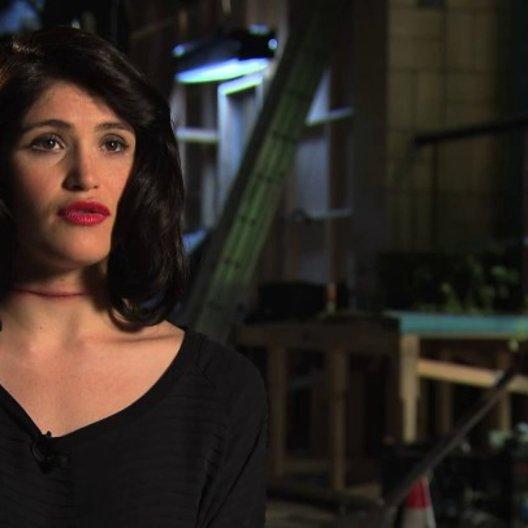 Gemma Arterton über die Szenen im Kühhlschrank - Interview Poster