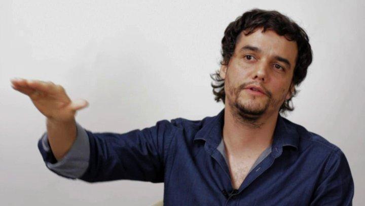 Wagner Moura über die Geschichte - OV-Interview Poster