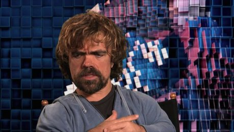 Peter Dinklage über Regisseur Chris Columbus - OV-Interview Poster