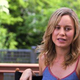 Brie Larson - Kim - über die Zusammenarbeit mit Amy Schumer - OV-Interview Poster