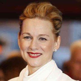 Laura Linney fliegt auf Tom Hanks