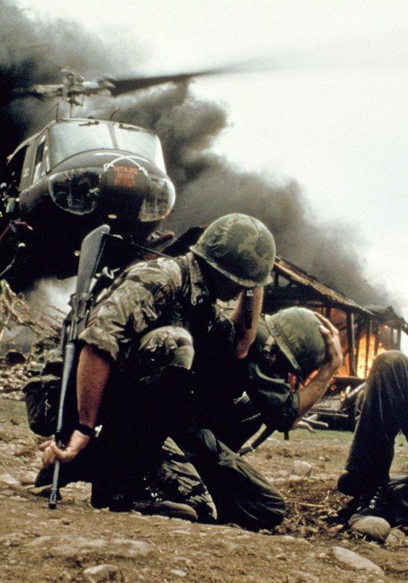 Apocalypse Now / Apocalypse Now Redux / Hearts of Darkness - A Filmmakers Apocalypse Poster