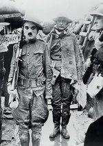 Chaplin Revue (Ein Hundeleben/ Gewehr über/ Der Pilger) Poster