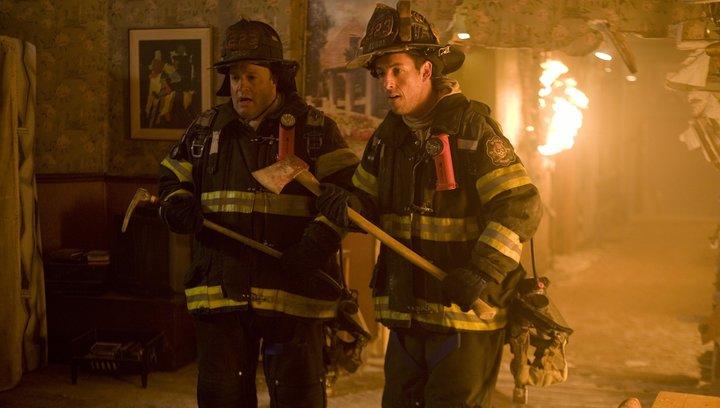 Chuck und Larry - Wie Feuer und Flamme - Trailer Poster