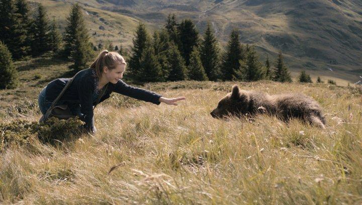 Clara und das Geheimnis der Bären - Trailer Poster